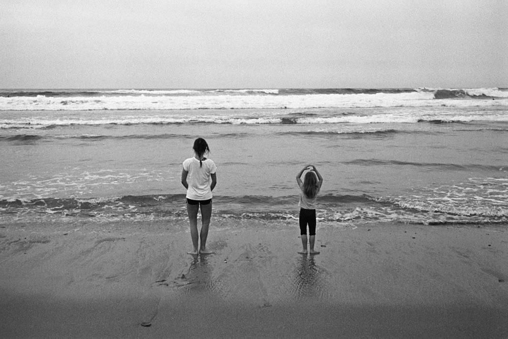 Beach ballet - Leica M6, Zeiss ZM C-Biogon 35mm f/2.8, Eastman Double-X.