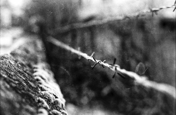 Dublin - Yashica FX3 2000 - Barbed wire - Unknown film