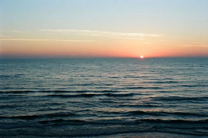 Lake Michigan sunset, Pentax K1000, Kodak Ektar 100 in West Michigan