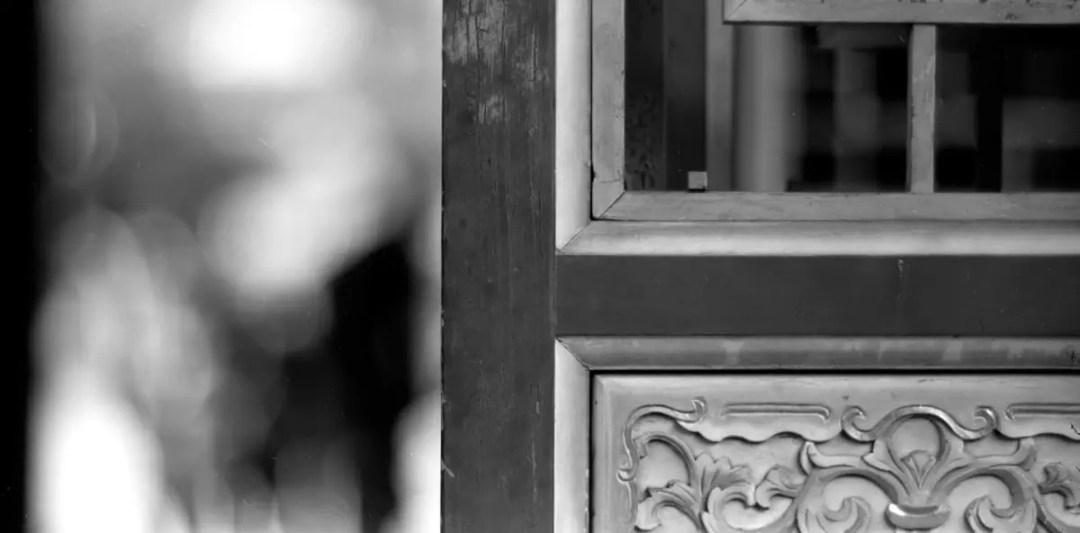"""門 / mén / door - Ilford Pan F+ shot at EI 32. Black and white negative film in 120 format shot as 6x12. Kodak Aero Ektar 7"""" (178mm) f/2.5 - Graflex Pacemaker Speed Graphic"""