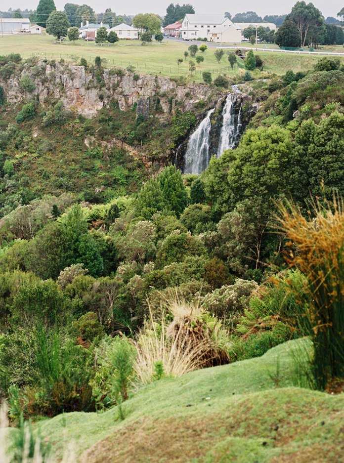 Tasmania Travelogue - A waterfall pit stop in Waratah. Stop at the road house for a snack and a glimpse of their giant inflatable Tasmanian Tiger.