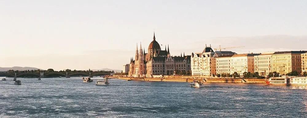 Fer Lavins - @f_lavins Hungarian Parliament, Budapest | OlympusOM10 + Fujicolor 100 @summerfilmparty @EMULSIVEfilm #SummerFilmParty