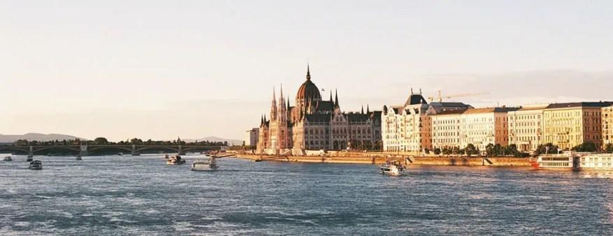 Fer Lavins - @f_lavins Hungarian Parliament, Budapest   OlympusOM10 + Fujicolor 100 @summerfilmparty @EMULSIVEfilm #SummerFilmParty