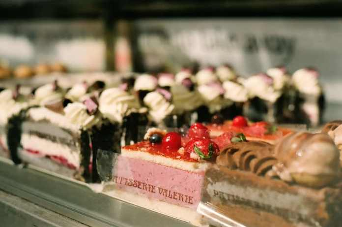 Cake, Window