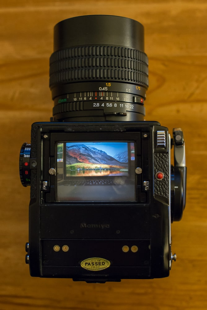 Mamiya 645 1000S - Top - Waist level finder