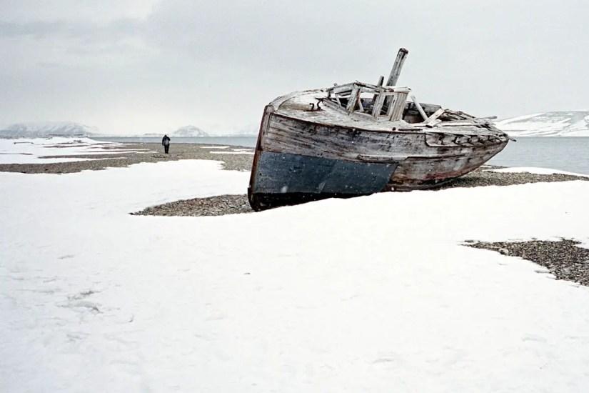 Alone Svalbard - Contax T3, Kodak Portra 400