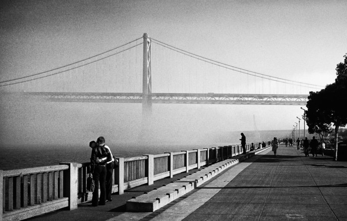 Forever Hug, San Francisco - Nikon F4, Kodak Tri-X 400