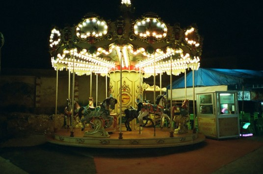 Lomography Color Negative 800 - 35mm - Merry Go Around