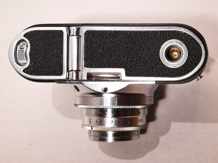 Voigtlander Vito B - Bottom