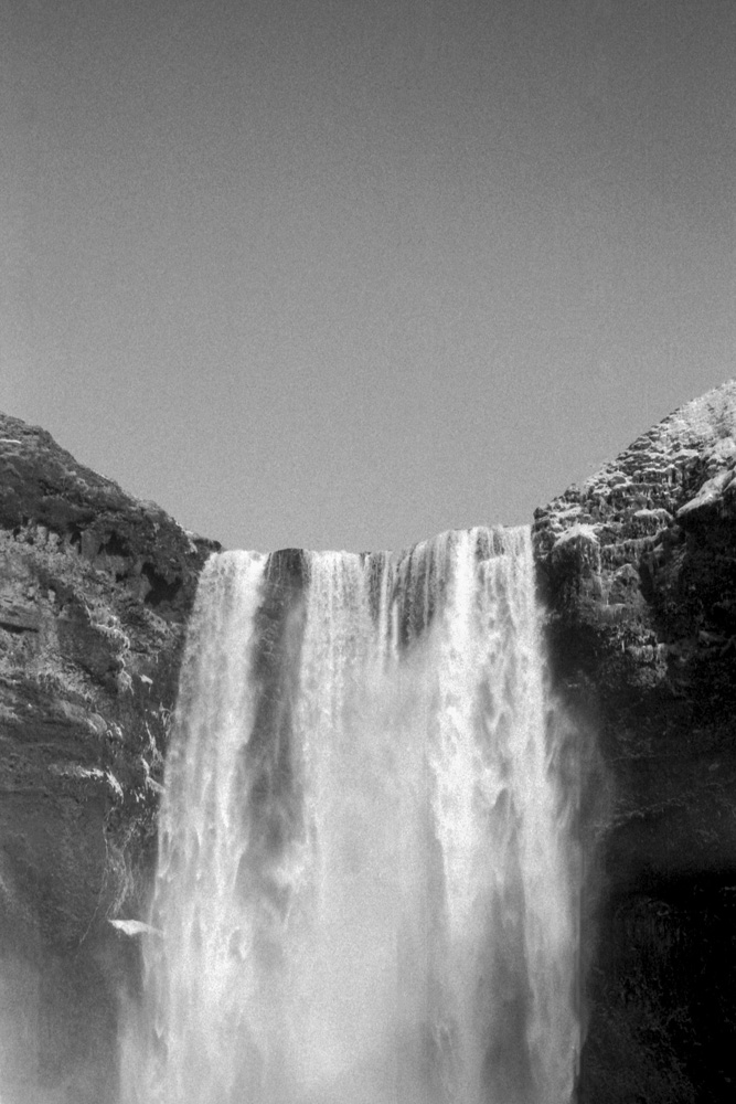 Skógafoss - Nikon FA, Nikon 50mm f/1.4, ILFORD HP5 PLUS