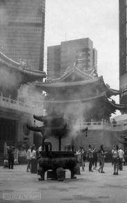 Shanghai, Temple 2017. Shot on Voigtlander Vito II, ILFORD HP5 PLUS