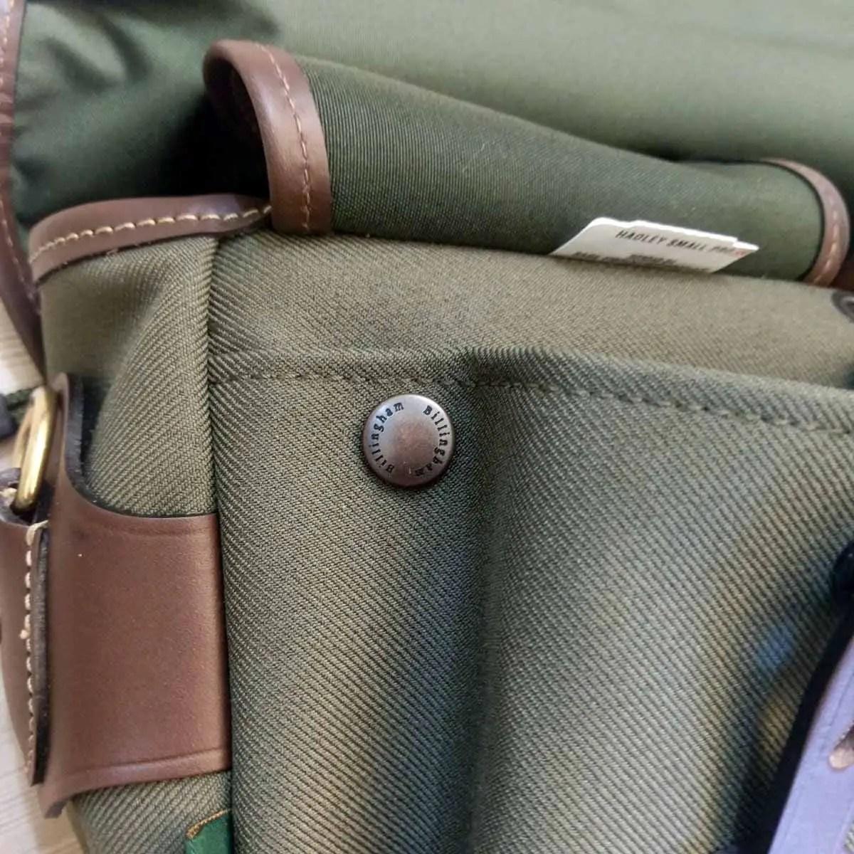 Billingham Hadley Small Pro - Dump pocket button closed 01