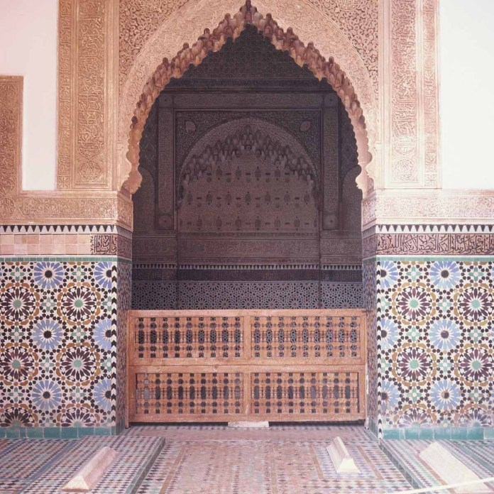 Kodak EKTACHROME E100G - Saadian Tombs - mindblowing attention to detail