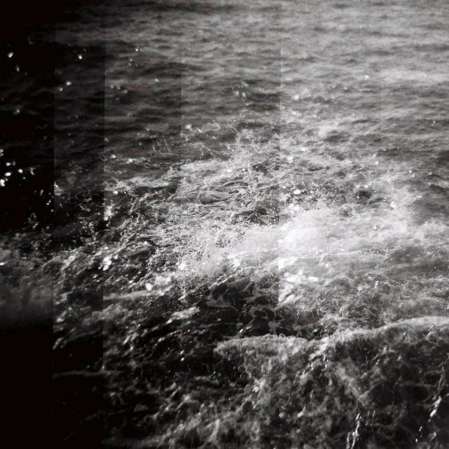 Wave, ILFORD FP4 PLUS,Holga 120N.
