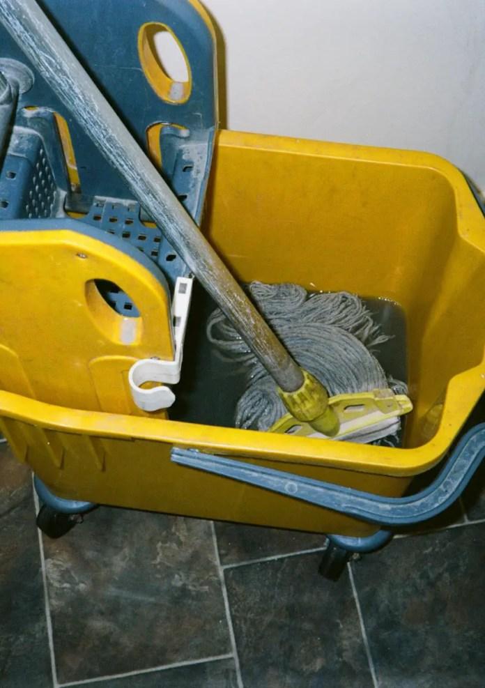 Mop & bucket