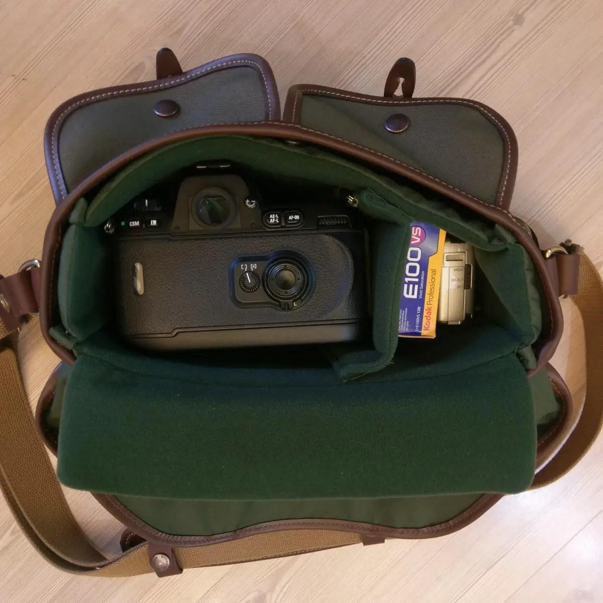 Billingham Hadley Small Pro - 35mm SLR lens-down