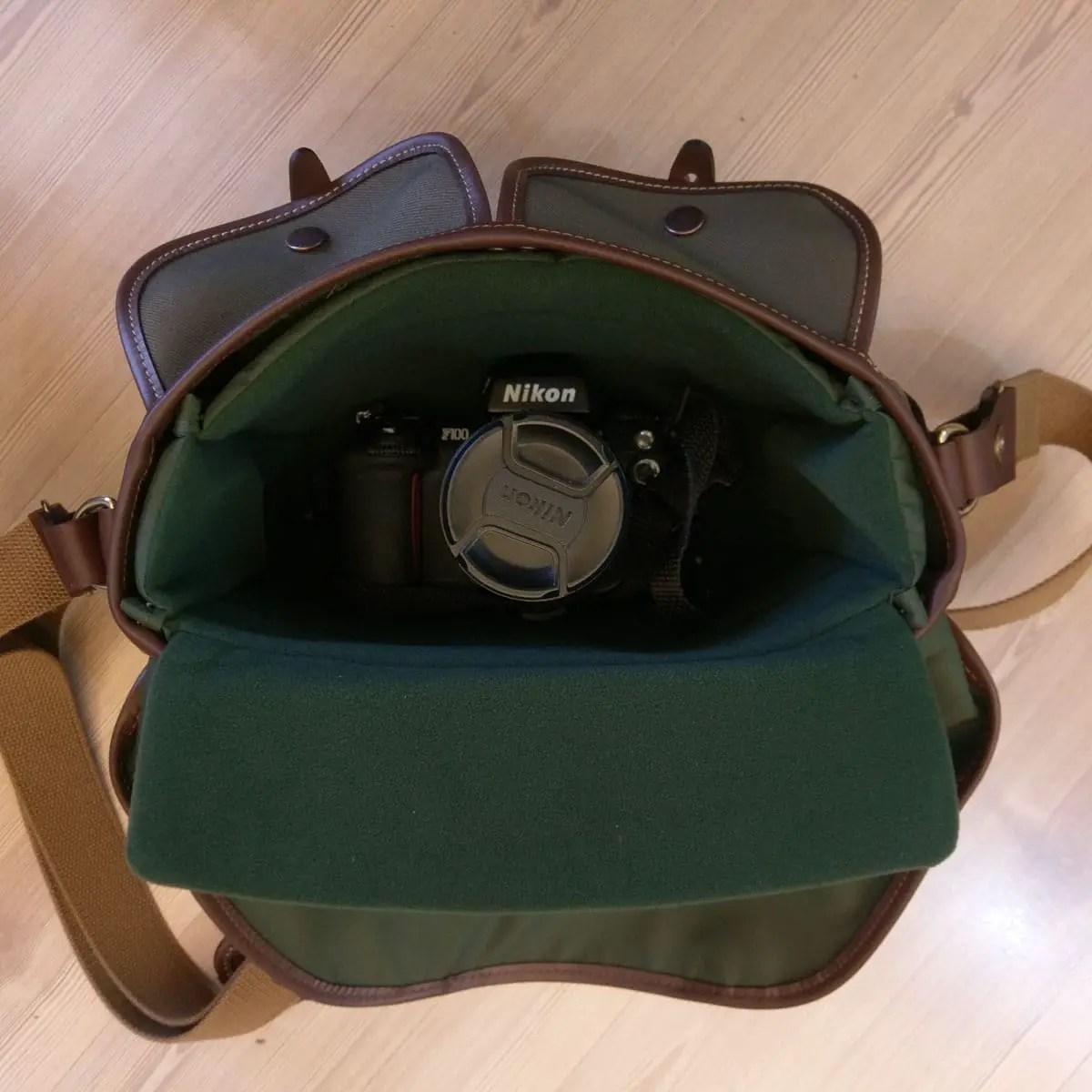 Billingham Hadley Small Pro - 35mm SLR lens-up