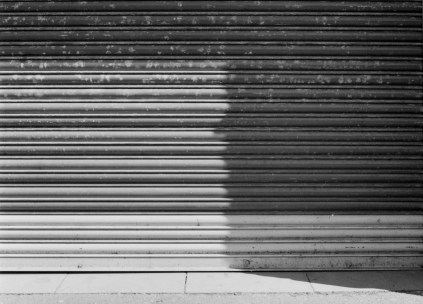 ILFORD HP5 PLUS - Lancaster street shadows