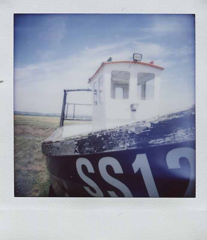 Diana Instant Square - Super wide-angle - Shadow - Boat