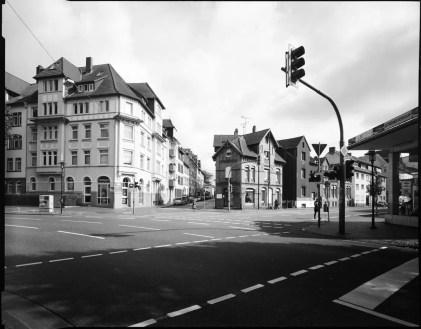 Street scene, Schneider Super Angulon 75mm, Ilford HP5+ in HC-110 B