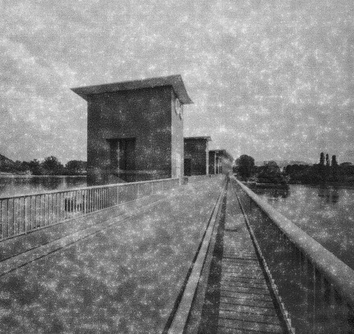 AGFA ISOCROM 1945 (120 - EI 3 - Natasha 69 Pinhole
