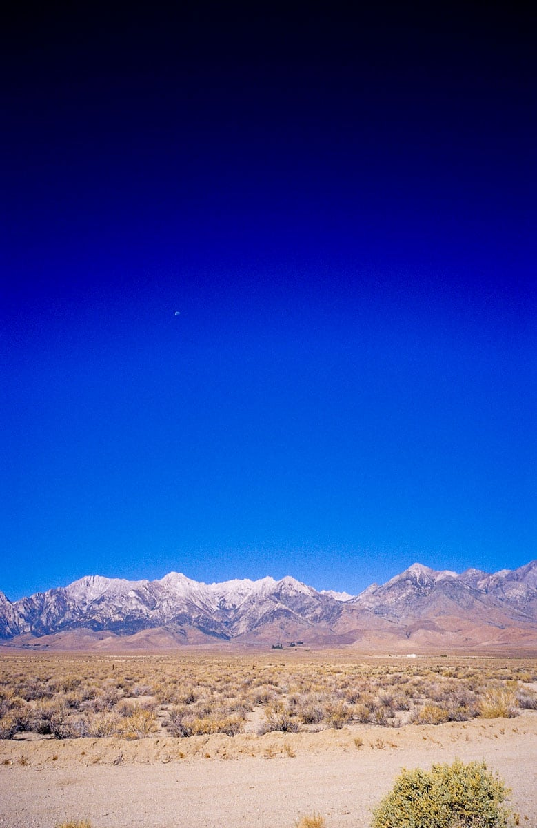 The moon and the mountains - Shot on Kodak EKTACHROME 100VS (E100VS) at EI 100. Color reversal (slide) film in 35mm format. Leica M6 TTL + Voigtlander 21mm f/4.