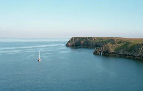 Barafundle Bay, Wales - Nikon F4 | Kodak Ektar 100 Film