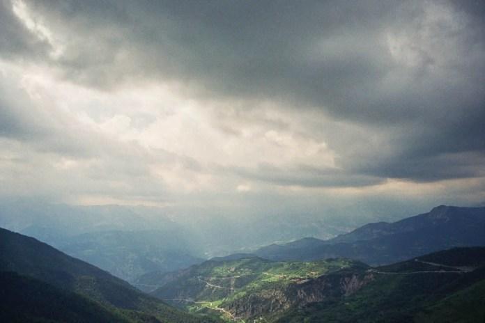Minolta SRT101 - Fujifilm C200 - Mountains around Nice
