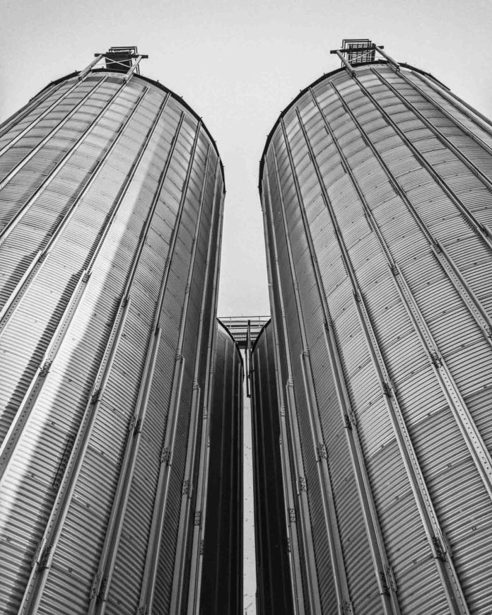 Grain elevator - M6, Elmarit-M 28mm, Adox HR-50