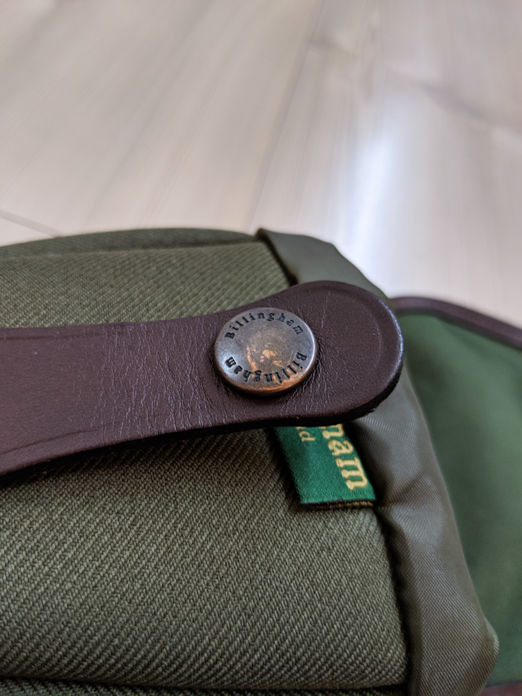 Billingham AVEA 7 end pocket (Clasp)