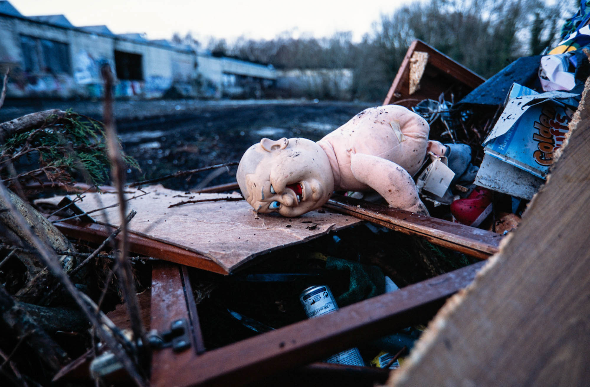 I had never seen this weird doll until contractors started to pile up the rubbish. January 2018, Fujifilm Provia 100F (RDPIII)