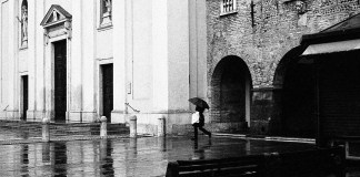 5 Frames With... Kodak Tri-X 400 (EI 1600 / 35mm / Minolta SRT 202) - by Marius Roman