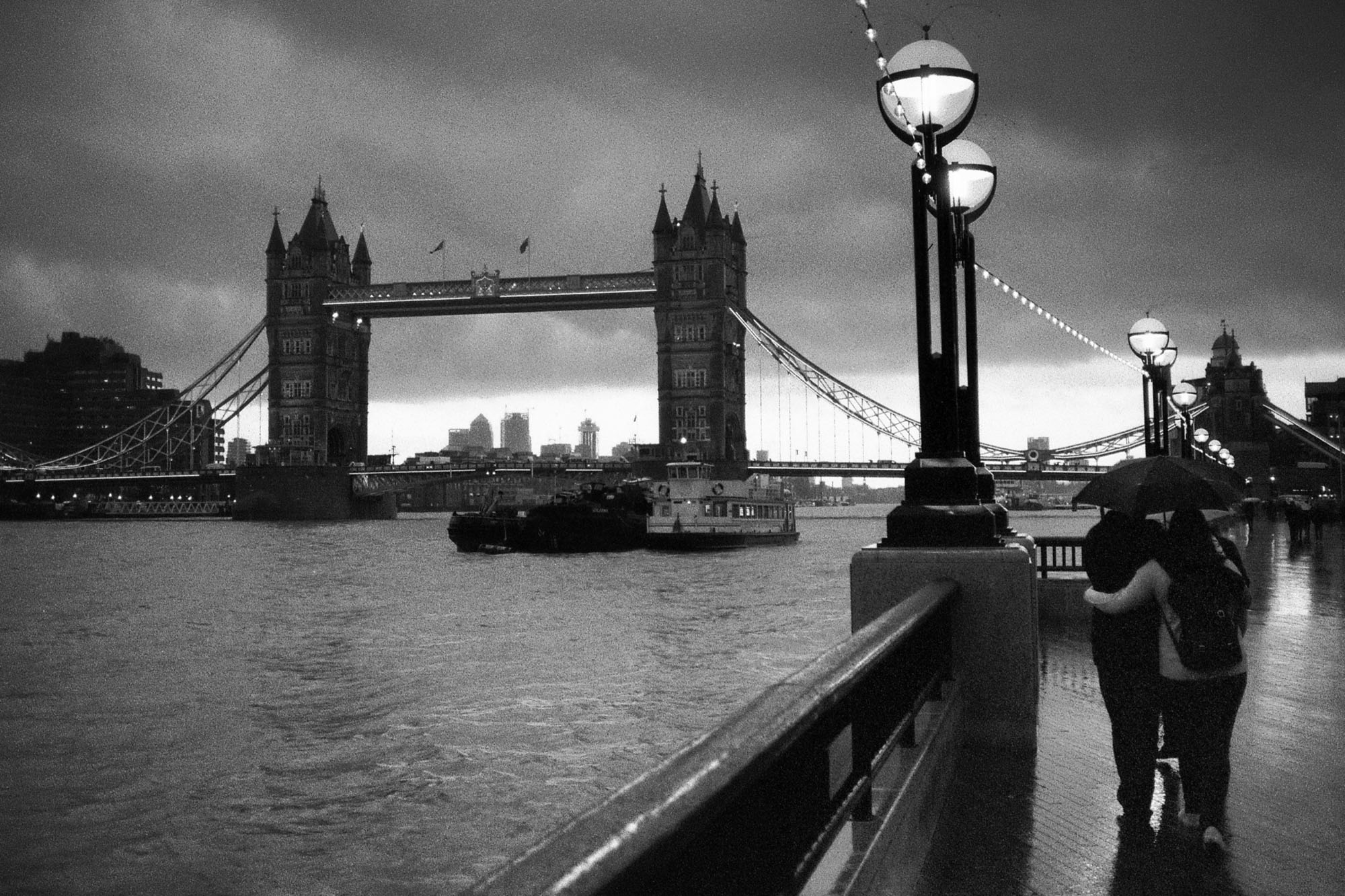 Contax T2 - Tower Bridge at night on grainy Kodak T-MAX 3200 film