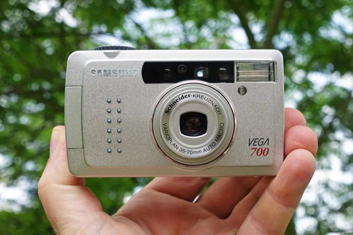 The Samsung Vega 700