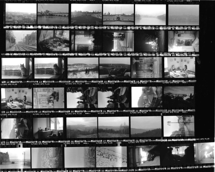 Contact sheet: ILFORD HP5 PLUS, Prague to Lasi.