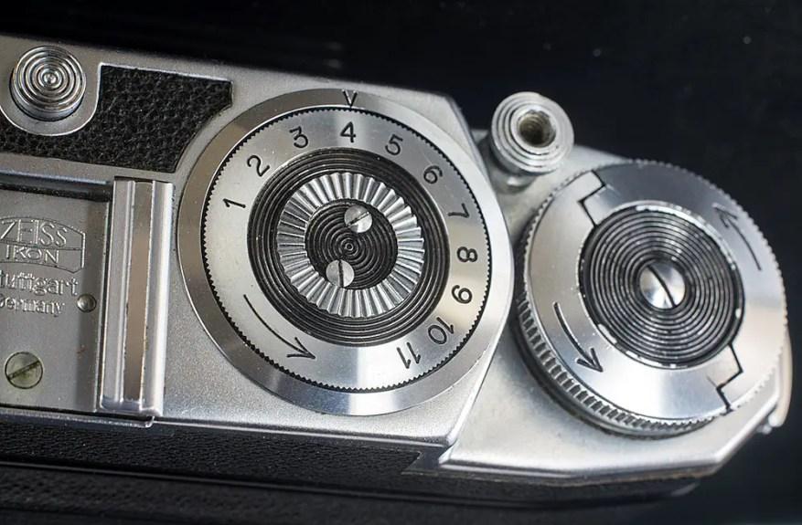 Super Ikonta 532/16 - Top plate, left