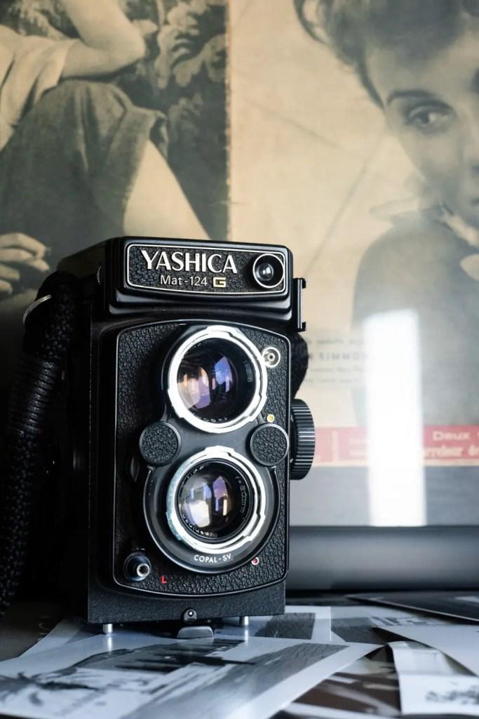 Yashica MAT-124G