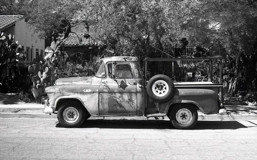 Leica M3, Leica Summicron 50mm f/2 v1, f/16 @ 1/500th - Kodak Tri-X 400