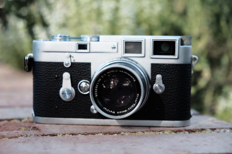 Leica M3 and Leica SUMMICRON-M 5cm f2 Collapsible