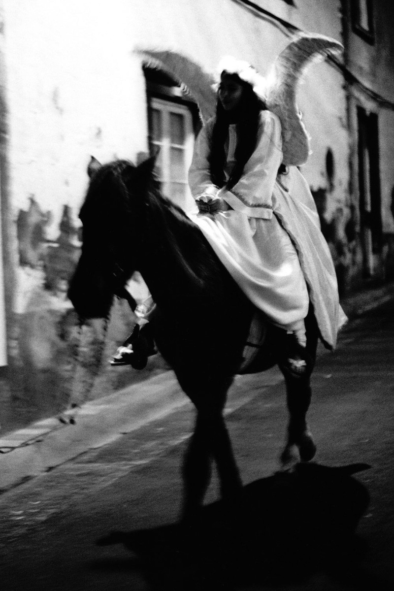 Angel on horseback - Kodak Tri-X 400, Leica R6, São Miguel Island, Azores, 2019