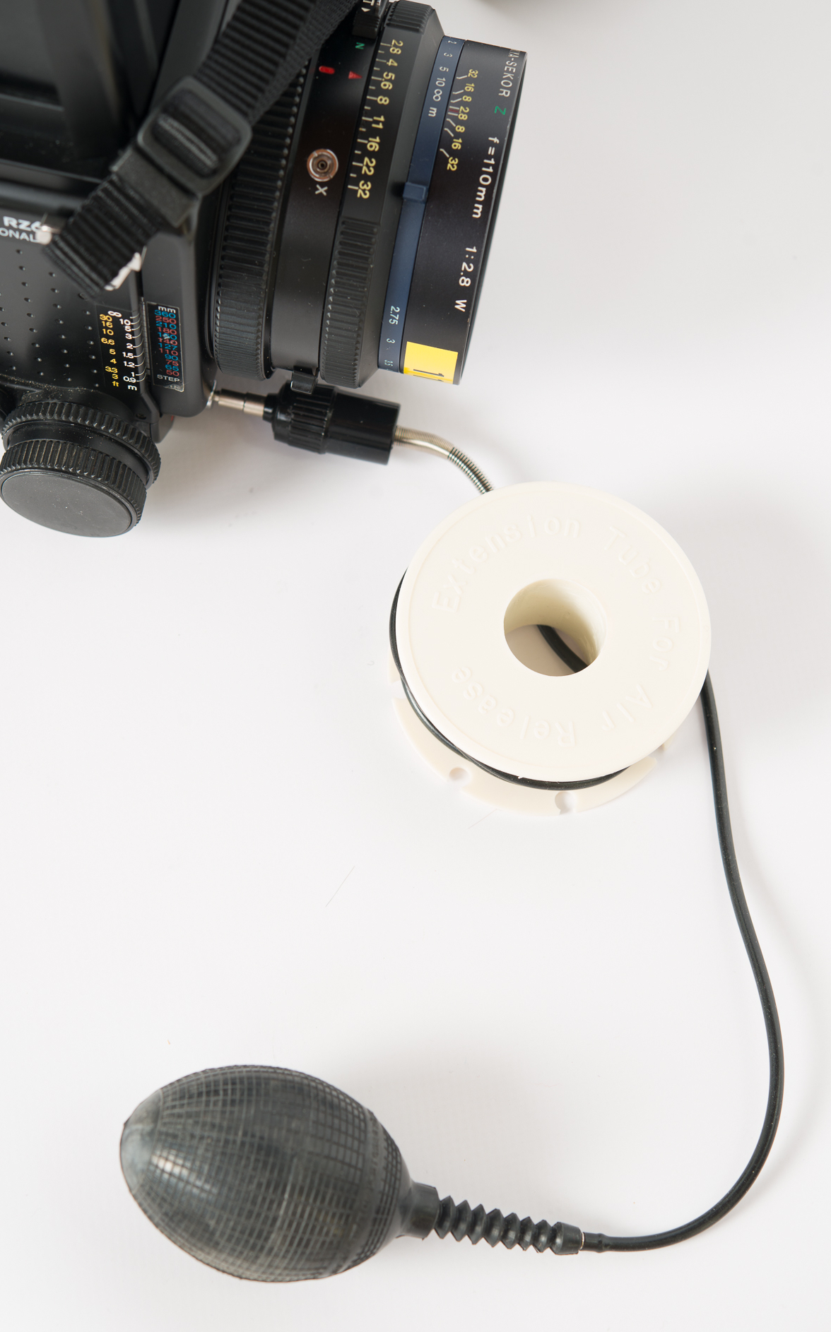 "Mamiya RZ67 - ""long"" cable release"
