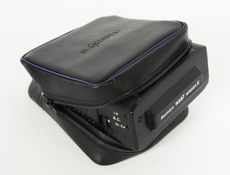 Mamiya RZ67 winder holder pouch