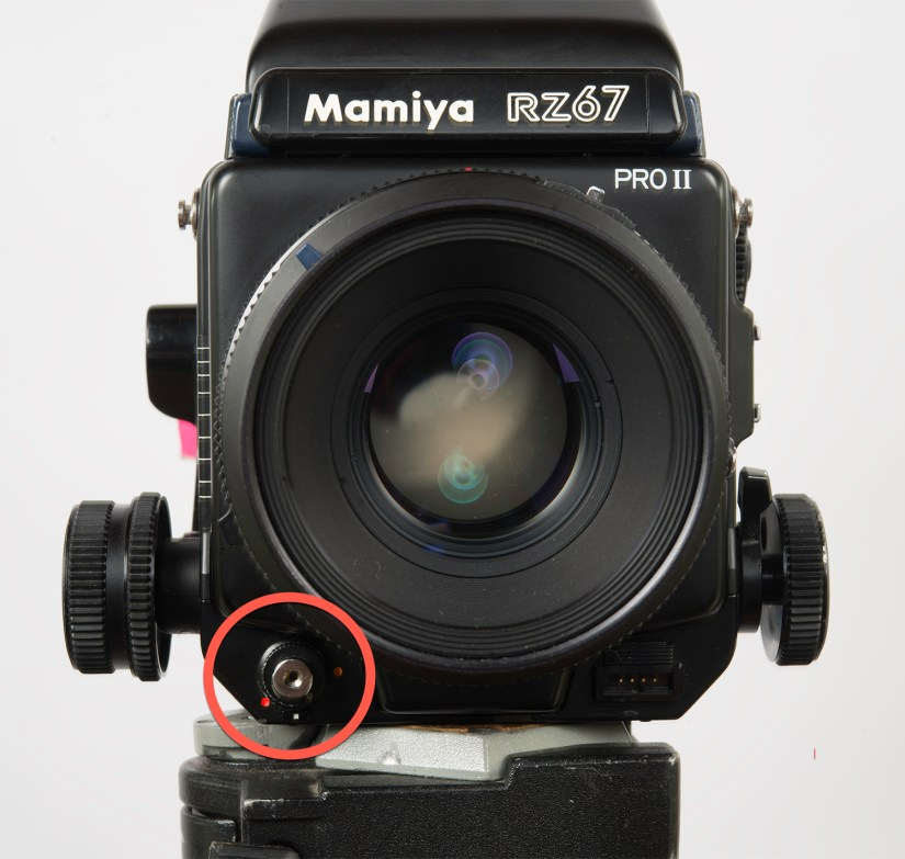 """Mamiya RZ67 - shutter button in the """"shooting position"""""""