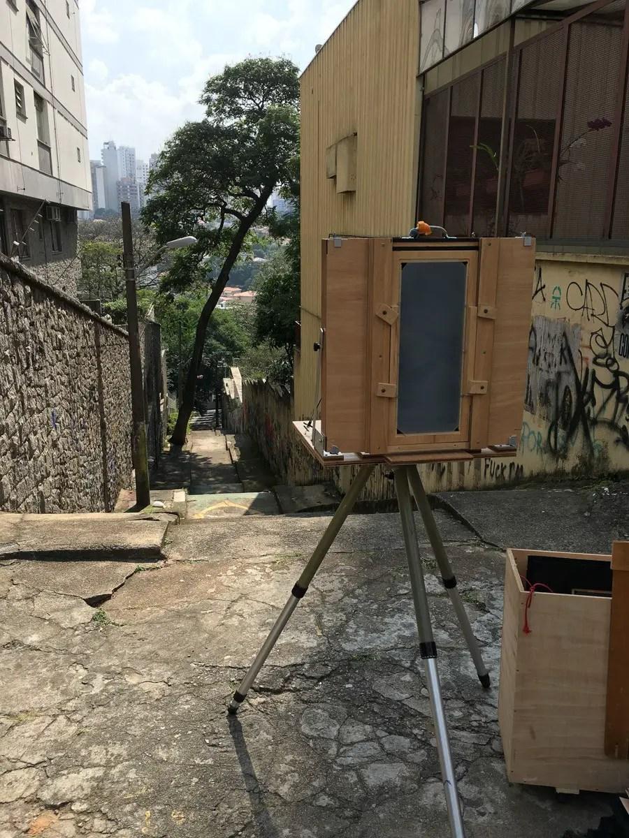 Camera setup to photograph stairs in São Paulo.