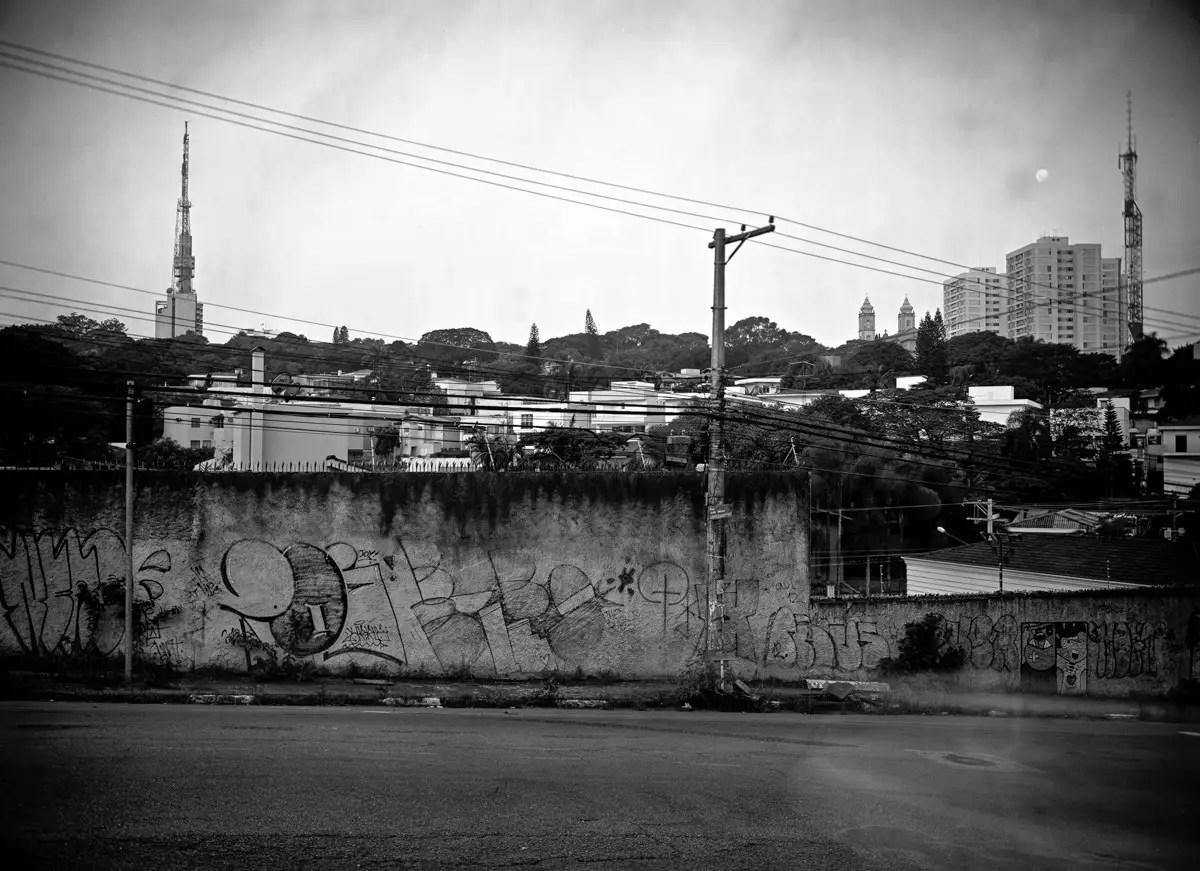Moonrise over Perdizes, São Paulo, 30x40cm negative.