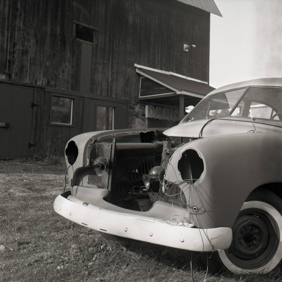 5 Frames With... ILFORD FP4 PLUS (EI 125 / 120 format / Mamiya C330 Professional) - by Jack Stouffer