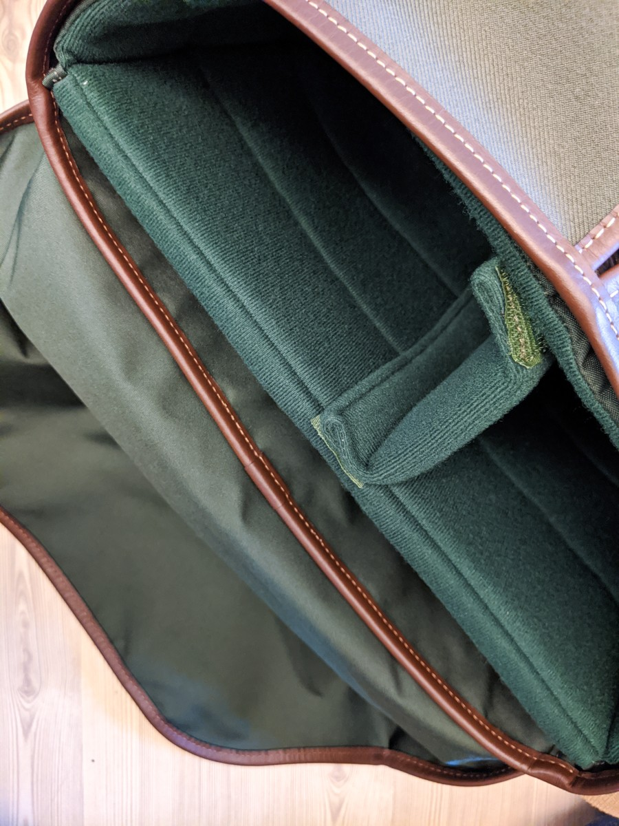 Billingham Hadley Pro 2020 - Detail - Padded insert with flap tucked inside