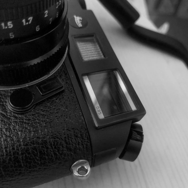 Leica M6 TTL 0.85 viewfinder detail