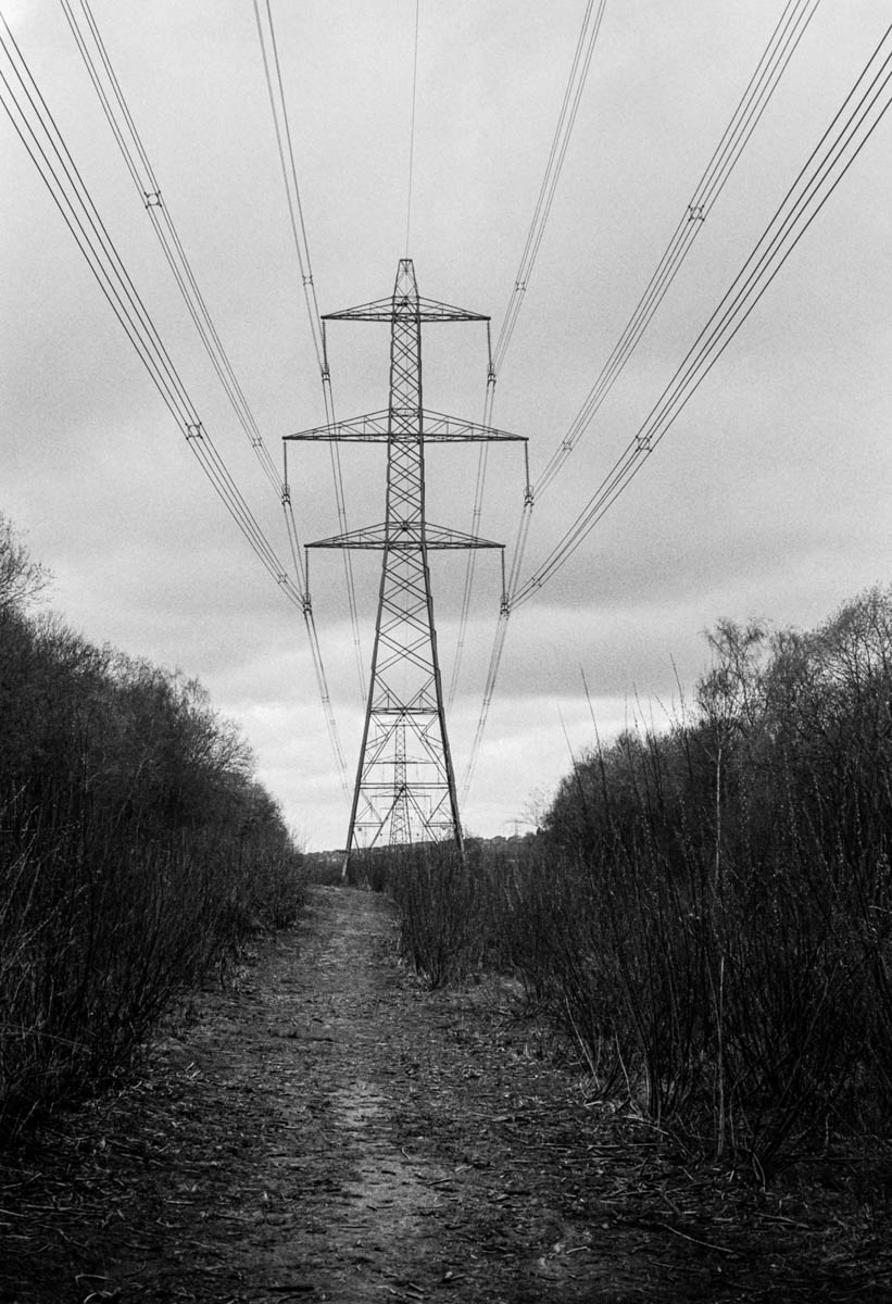 Under current - ILFORD HP5 PLUS, Minolta SRT 101b, MD Rokkor 50mm f.1.7 - Nigel Fishwick
