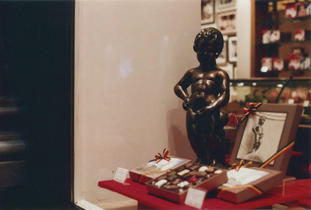 5 Frames… With expired Fuji Superia 200 (EI 200 / 35mm format / Olympus OM-1) - By Ed Worthington